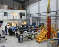Vorbereitungen zum Start der MAIUS-1 Höhenforschungsrakete am Esrange Space Center im nordschwedischen Kiruna. Der erfolgreiche Flug erfolgte am 23. Januar 2017.  Quelle: Thomas Schleuss